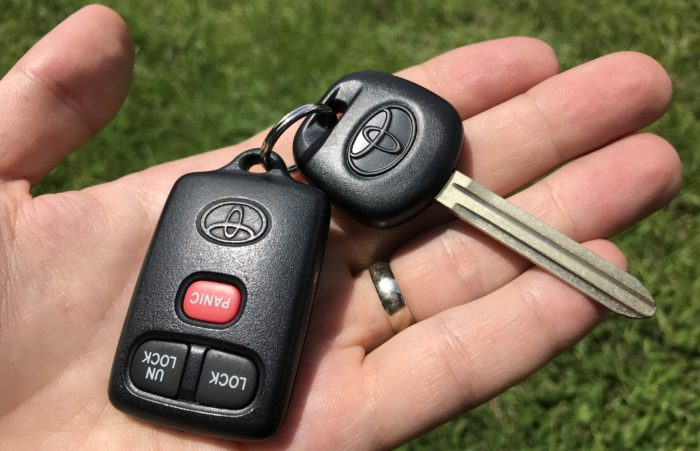 1997 1998 1999 2000 2001 Toyota Camry Transponder Chip Key & Remote Transmitter Fob Programming How To Program Instructions